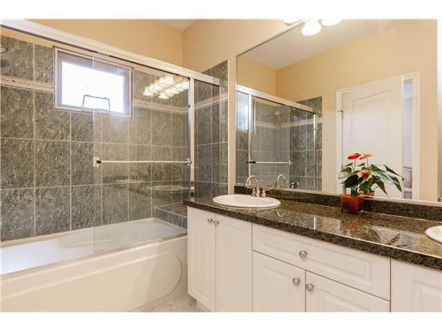 320 E 5TH ST - Lower Lonsdale 1/2 Duplex for sale, 4 Bedrooms (V1051755) #11