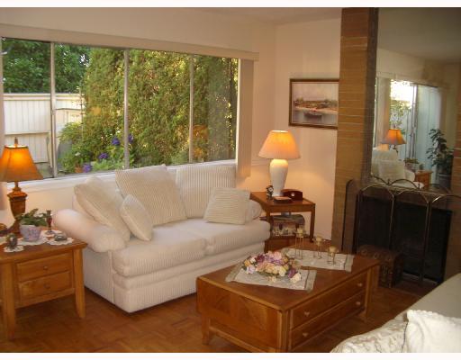 733 WESTVIEW CR - Upper Lonsdale Townhouse for sale, 3 Bedrooms (V728046) #2