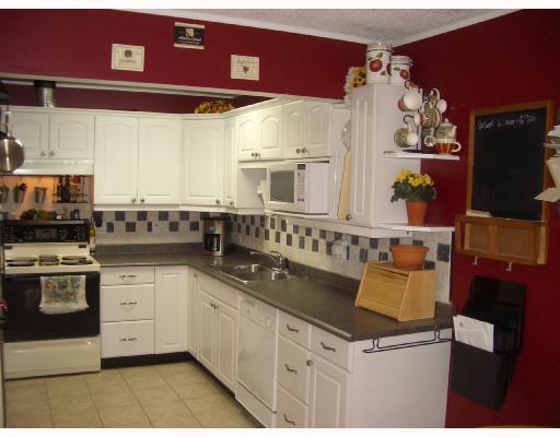 611 WESTVIEW PL - Upper Lonsdale Townhouse for sale, 3 Bedrooms (V743025) #2