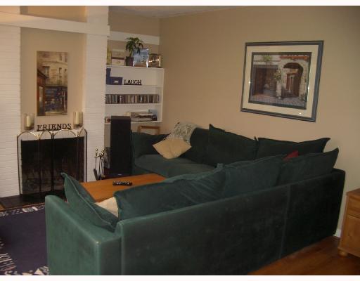 611 WESTVIEW PL - Upper Lonsdale Townhouse for sale, 3 Bedrooms (V743025) #4