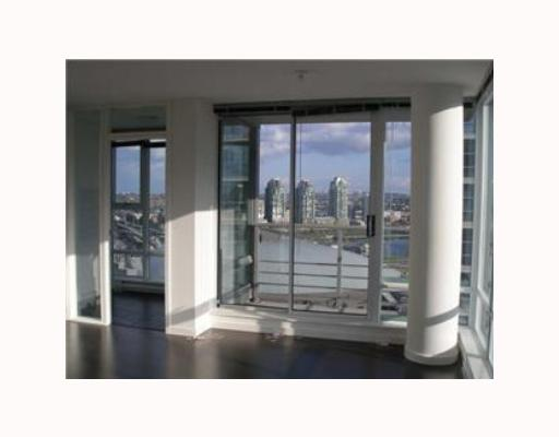# 1710 668 CITADEL PARADE BB - Downtown VW Apartment/Condo for sale, 2 Bedrooms (V761355) #1