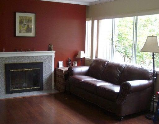 939 WESTVIEW CR - Upper Lonsdale Townhouse for sale, 3 Bedrooms (V774873) #3
