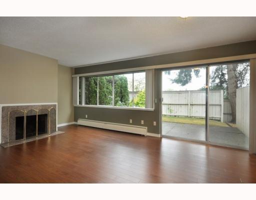 719 WESTVIEW CR - Upper Lonsdale Townhouse for sale, 3 Bedrooms (V781457) #1