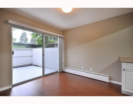 719 WESTVIEW CR - Upper Lonsdale Townhouse for sale, 3 Bedrooms (V781457) #3