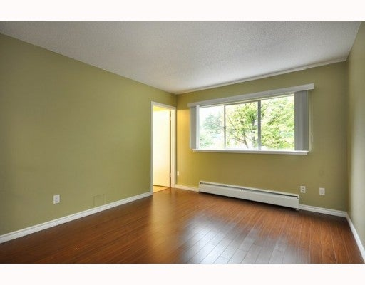 719 WESTVIEW CR - Upper Lonsdale Townhouse for sale, 3 Bedrooms (V781457) #5