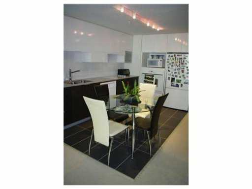 # 106 175 W 2ND ST - Lower Lonsdale Apartment/Condo for sale, 1 Bedroom (V823374) #1
