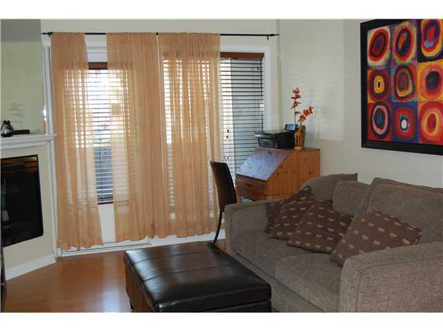# 102 1518 BOWSER AV - Norgate Apartment/Condo for sale, 2 Bedrooms (V870153) #2