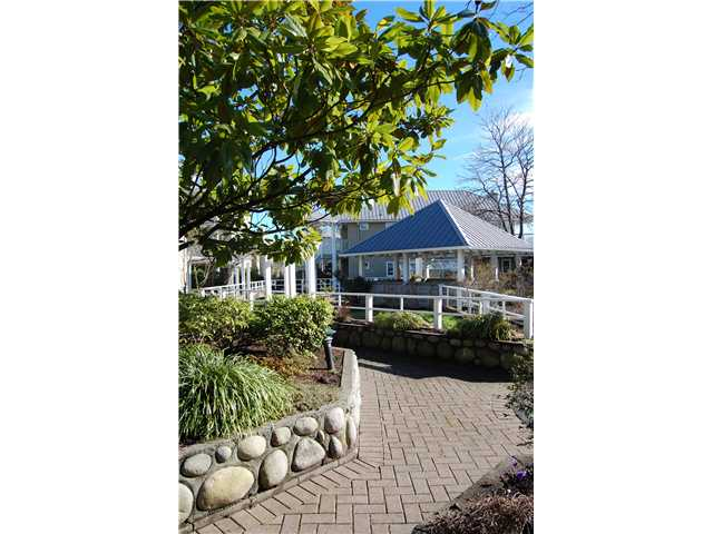 # 102 1518 BOWSER AV - Norgate Apartment/Condo for sale, 2 Bedrooms (V870153) #9