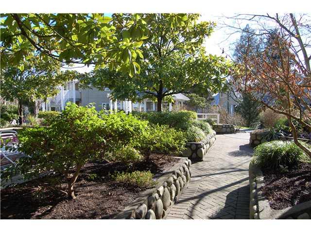 # 102 1518 BOWSER AV - Norgate Apartment/Condo for sale, 2 Bedrooms (V870153) #10
