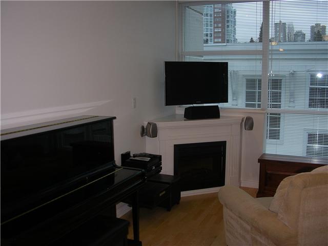 # 703 168 E ESPLANADE BB - Lower Lonsdale Apartment/Condo for sale, 1 Bedroom (V927521) #2