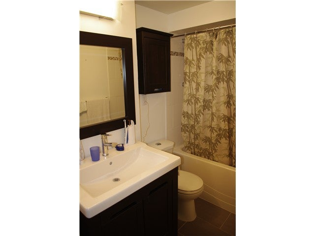 848 WESTVIEW CR - Upper Lonsdale Apartment/Condo for sale, 2 Bedrooms (V942985) #1
