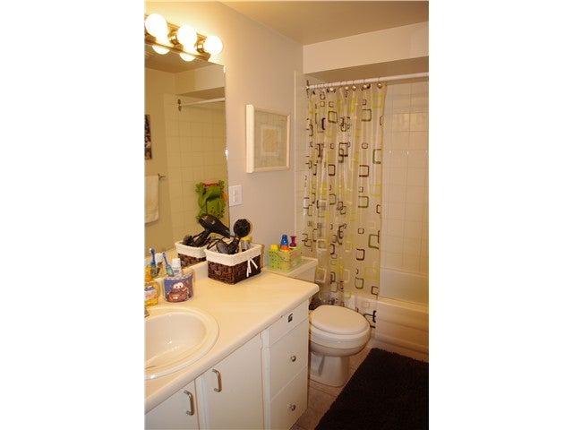845 WESTVIEW CR - Upper Lonsdale Townhouse for sale, 3 Bedrooms (V943571) #4