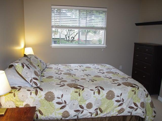 951 WESTVIEW CR - Upper Lonsdale Townhouse for sale, 3 Bedrooms (V945914) #2