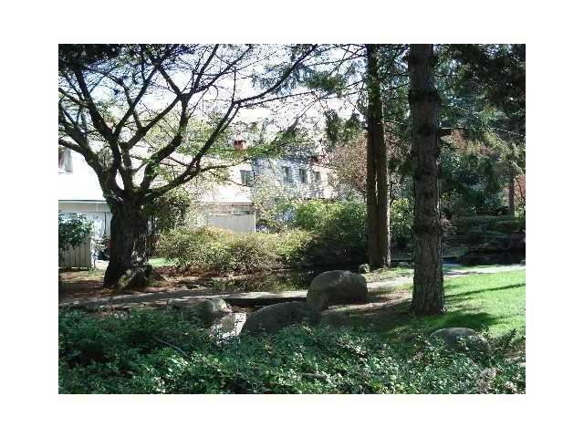 887 WESTVIEW CR - Upper Lonsdale Apartment/Condo for sale, 2 Bedrooms (V964936) #1