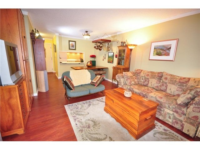# 202 3275 MOUNTAIN HY - Lynn Valley Apartment/Condo for sale, 2 Bedrooms (V970071) #3