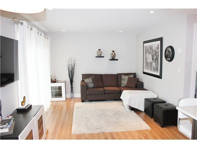 #10 308 W 2nd St - Lower Lonsdale Apartment/Condo for sale, 2 Bedrooms (V1055350) #1