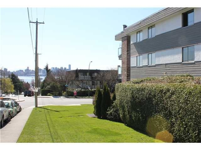 #10 308 W 2nd St - Lower Lonsdale Apartment/Condo for sale, 2 Bedrooms (V1055350) #10