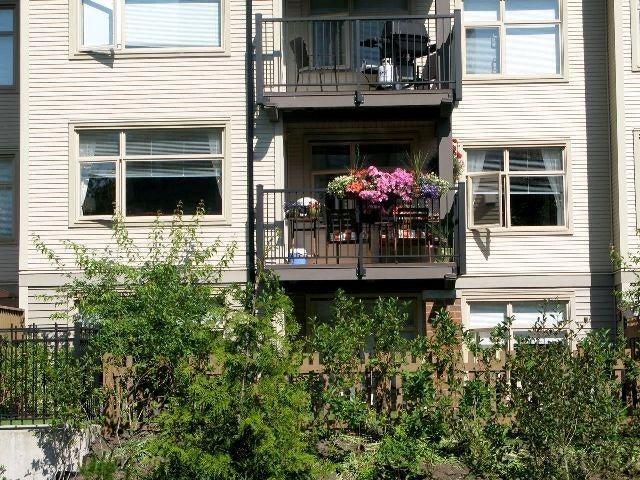 # 204 400 Klahanie Dr - Port Moody Centre Apartment/Condo for sale, 2 Bedrooms (V748475) #1