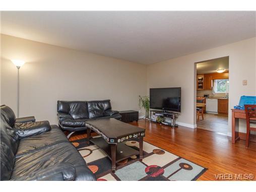 622 Broadway St - SW Glanford Half Duplex for sale, 3 Bedrooms (355923) #2