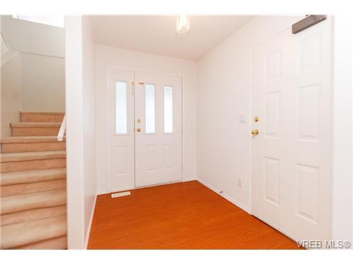 413 Skinner St - VW Victoria West Half Duplex for sale, 3 Bedrooms (356059) #2