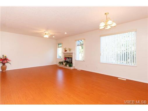 413 Skinner St - VW Victoria West Half Duplex for sale, 3 Bedrooms (356059) #4