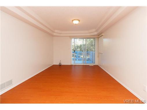 413 Skinner St - VW Victoria West Half Duplex for sale, 3 Bedrooms (356059) #6