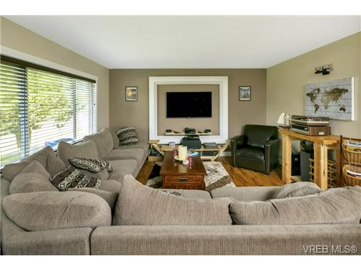 491/493 Foster St - Es Saxe Point Full Duplex for sale, 8 Bedrooms (364092) #3