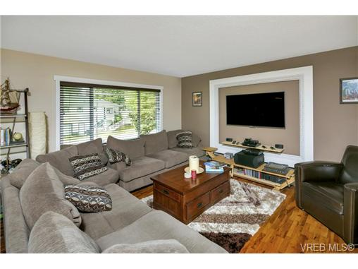 491/493 Foster St - Es Saxe Point Full Duplex for sale, 8 Bedrooms (364092) #4