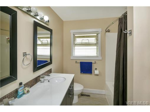 491/493 Foster St - Es Saxe Point Full Duplex for sale, 8 Bedrooms (364092) #8