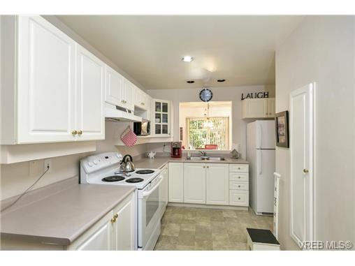 108 632 Goldstream Ave - La Fairway Row/Townhouse for sale, 3 Bedrooms (365249) #11