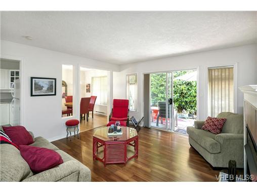 108 632 Goldstream Ave - La Fairway Row/Townhouse for sale, 3 Bedrooms (365249) #16