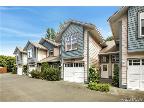 108 632 Goldstream Ave - La Fairway Row/Townhouse for sale, 3 Bedrooms (365249) #1