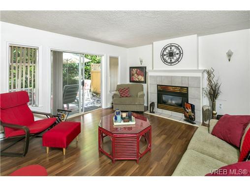 108 632 Goldstream Ave - La Fairway Row/Townhouse for sale, 3 Bedrooms (365249) #2