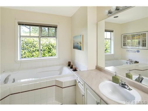 108 632 Goldstream Ave - La Fairway Row/Townhouse for sale, 3 Bedrooms (365249) #7
