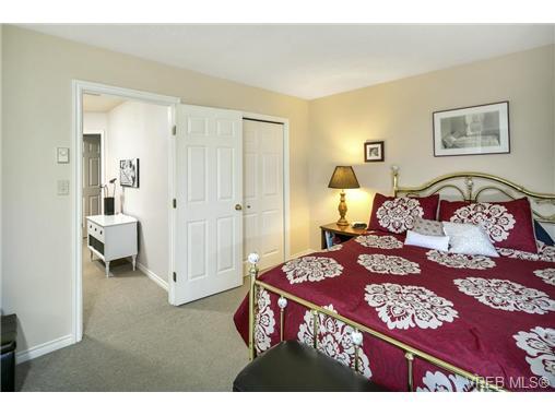 108 632 Goldstream Ave - La Fairway Row/Townhouse for sale, 3 Bedrooms (365249) #9