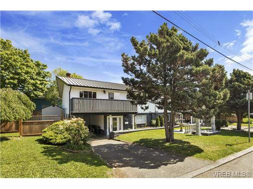 491/493 Foster St - Es Saxe Point Full Duplex for sale, 8 Bedrooms (366730) #1