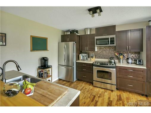 491/493 Foster St - Es Saxe Point Full Duplex for sale, 8 Bedrooms (366730) #5
