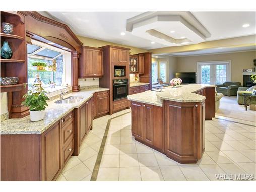 4951 Pat Bay Hwy - SE Cordova Bay Single Family Detached for sale, 11 Bedrooms (367074) #9