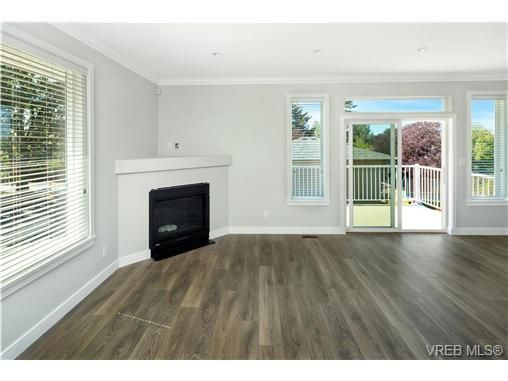 1764 Midgard Ave - SE Mt Tolmie Single Family Detached for sale, 4 Bedrooms (369576) #8