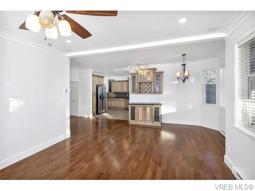 4574 Formosa Pl - SW Royal Oak Single Family Detached for sale, 5 Bedrooms (371502) #10