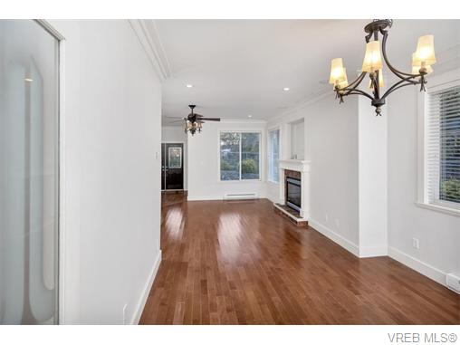 4574 Formosa Pl - SW Royal Oak Single Family Detached for sale, 5 Bedrooms (371502) #4