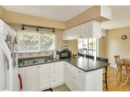 491/493 Foster St - Es Saxe Point Full Duplex for sale, 8 Bedrooms (372838) #11