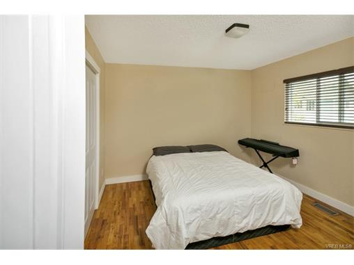 491/493 Foster St - Es Saxe Point Full Duplex for sale, 8 Bedrooms (372838) #15