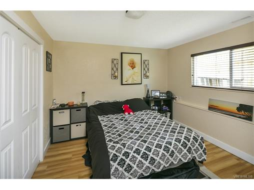 491/493 Foster St - Es Saxe Point Full Duplex for sale, 8 Bedrooms (372838) #17