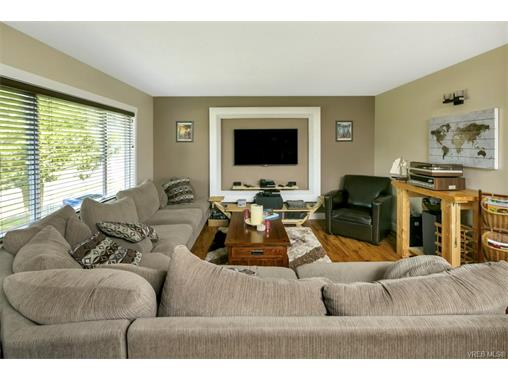 491/493 Foster St - Es Saxe Point Full Duplex for sale, 8 Bedrooms (372838) #3