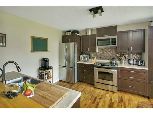 491/493 Foster St - Es Saxe Point Full Duplex for sale, 8 Bedrooms (372838) #5
