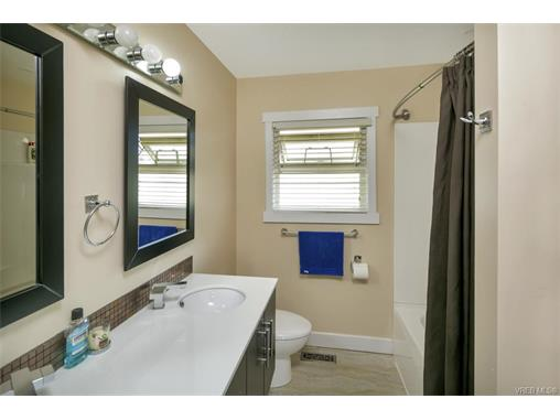 491/493 Foster St - Es Saxe Point Full Duplex for sale, 8 Bedrooms (372838) #8