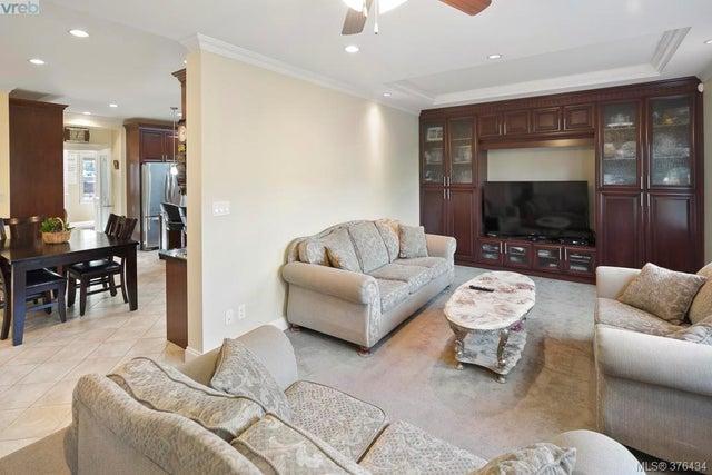 4375 Shelbourne St - SE Mt Doug Single Family Detached for sale, 6 Bedrooms (376434) #9