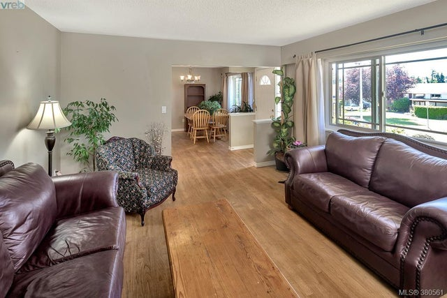 3981 Oakwood St - SE Lambrick Park Single Family Detached for sale, 4 Bedrooms (380561) #3