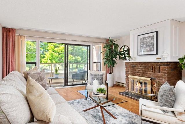 202 1175 Newport Ave - OB South Oak Bay Condo Apartment for sale, 2 Bedrooms (876626) #1